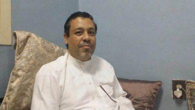 صورة بعد تعرض شقته لحريق الشاب علي العجمي يخرج من المستشفى