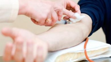 صورة بالتعاون مع القطيف المركزي … حملة للتبرع بالدم بنادي النور