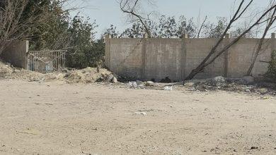 صورة بلا هواده.. أرض غرب جمعية سيهات تشويه بصري سببه المواطنين